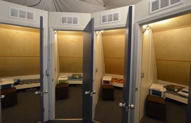 기지 2층에는 각 대원들의 개인공간이 마련돼 있다. - HI-SEAS 홈페이지 제공